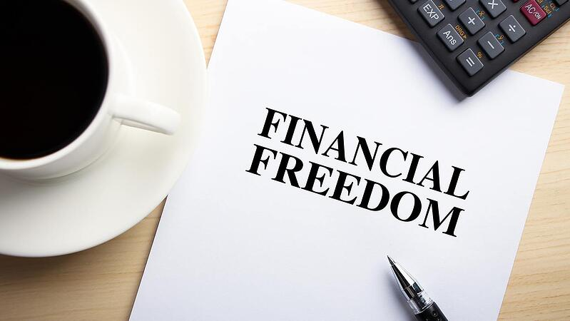 6 Reasons You Should Invest in Real Estate Financial Freedom Image