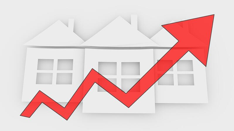 6 Reasons You Should Invest in Real Estate Rising Market Image